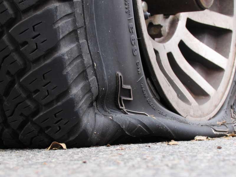 چرا لاستیک خودرو حین رانندگی میترکد؟